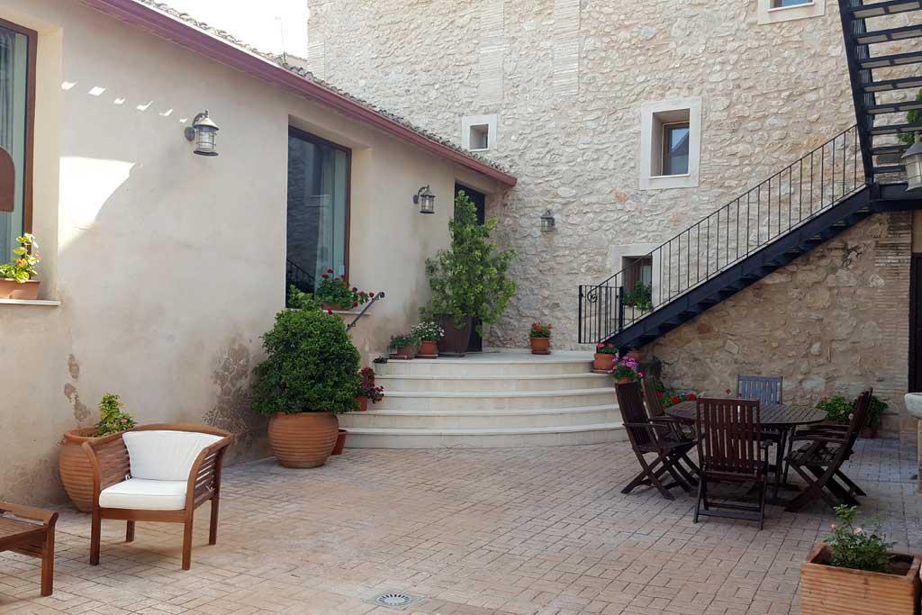apart1-patio